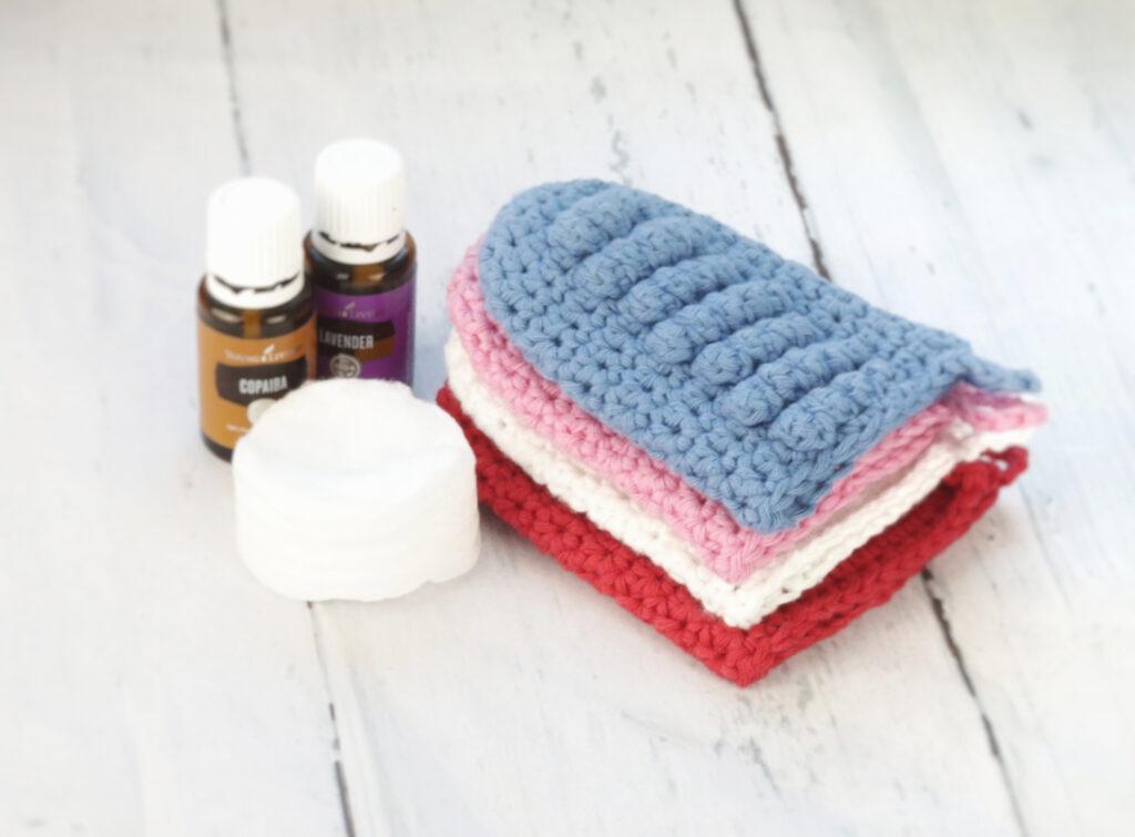 Crochet Face Scrubbie Mitts 1