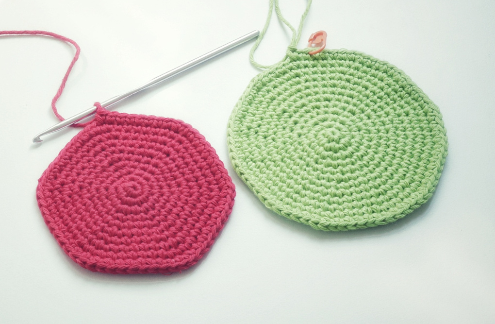 I like my crochet circles to remain circles as I increase the rounds, whether I am working in joined rounds or spiral rounds. Follow this tutorial to make the perfect crochet circle.
