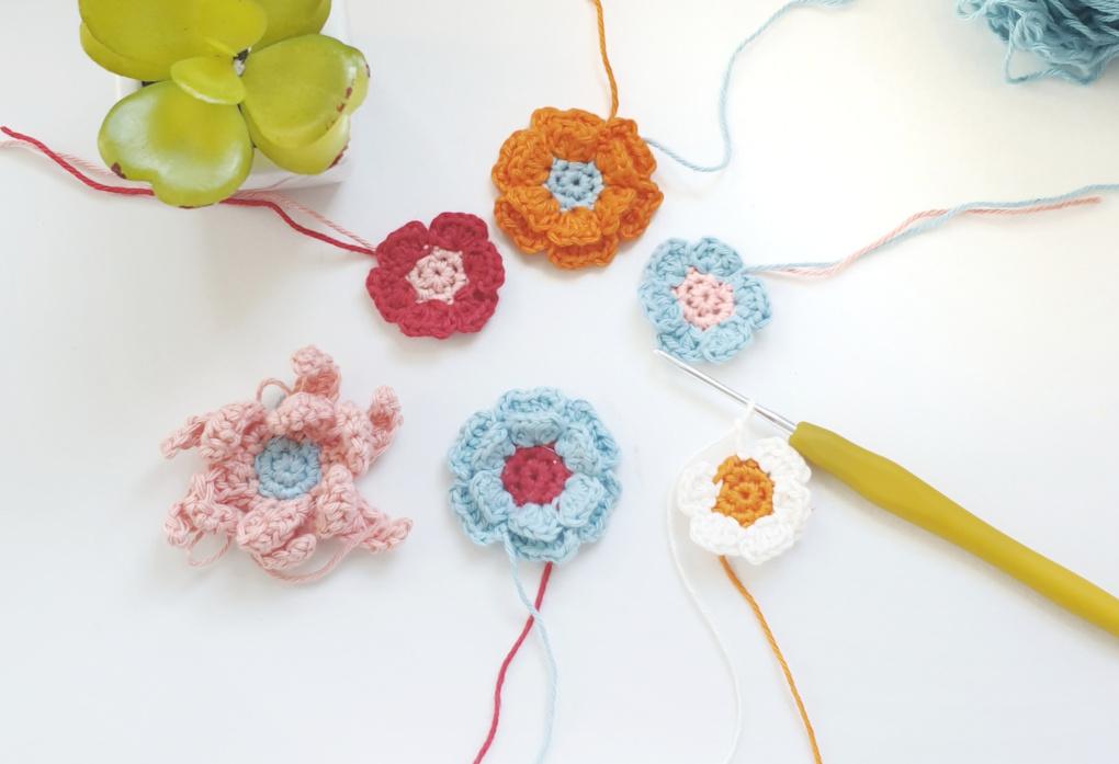 Spirng flowers for bucket hat